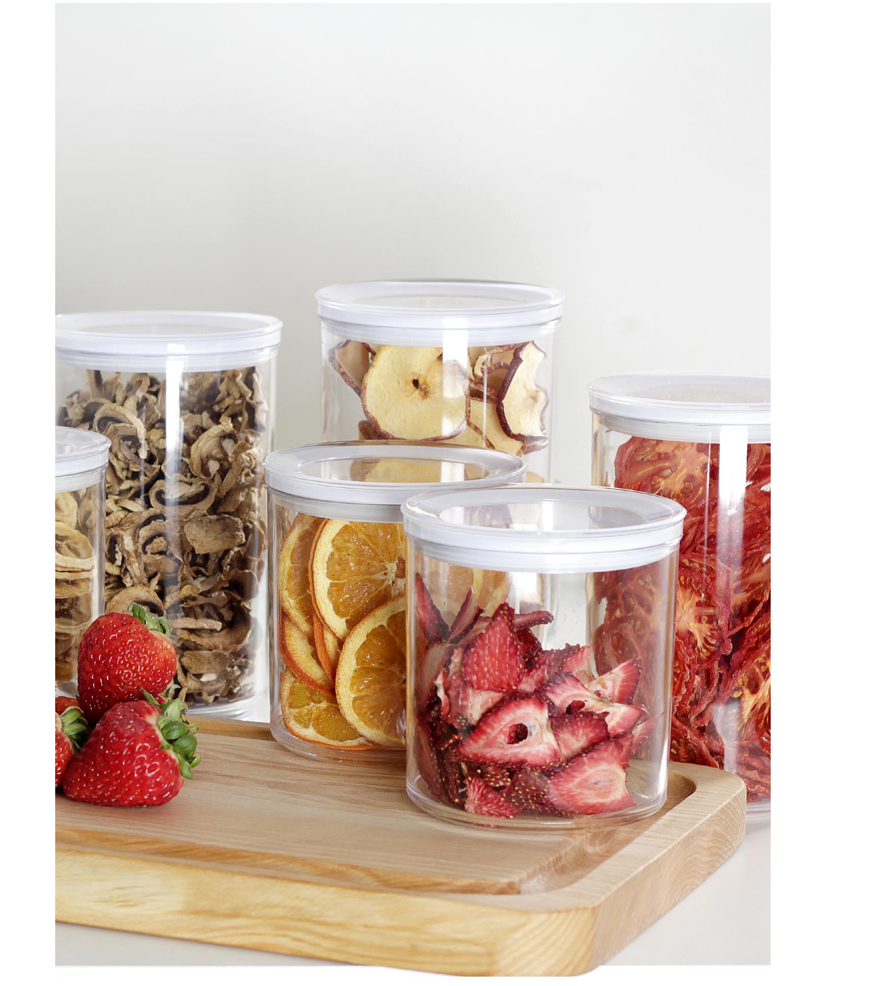 Frascos con alimentos deshidratados